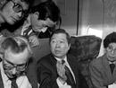 1985年2月8日,流亡美国后乘飞机返回韩国
