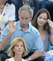 享受奥运的布什