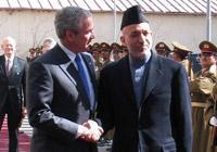 美国总统布什突访阿富汗