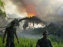 救援人员在现场实施救援